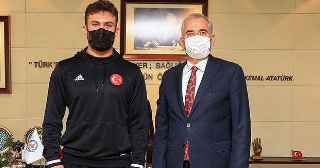 Milli Güreşçi Karadeniz'den Başkan Zolan'a ziyaret