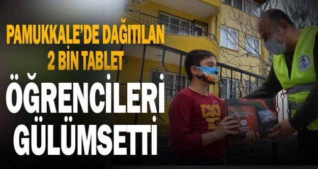 Pamukkale'de dağıtılan 2 bin tablet, öğrencileri sevindirdi