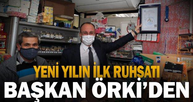 Yeni yılın ilk ruhsatını Başkan Örki verdi