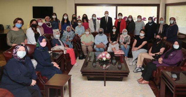 AK kadınlardan Başkan Zolan'a ziyaret