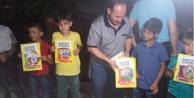 Merhum Erbakanın çocukluğu kitap oldu, çocuklara hediye edildi