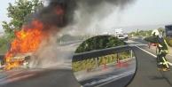 Yangın tüpleri yetmedi, araç tamamen yandı