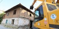 Bağımlı mekanı metruk binalar yıkılıyor