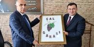 Vali Karahan'a 'Çal Garası' hatırası
