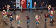 Halk dansları şöleni var