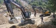 Yağmurdan korunmak için girdiği kaya çöken işçi öldü