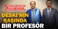 DESKİnin başındaki profesör