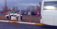 Otobüsle çarpışan otomobilin sürücüsü öldü