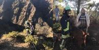 Uçurumda mahsur kalan keçiyi itfaiye kurtardı