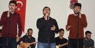Üniversite öğrencileri cezaevinde konser verdi