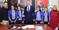 Başkan Örki şampiyonları ağırladı