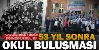 53 yıl sonra mezun oldukları okulda buluştular