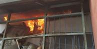 Elektrik kabloları çatı katını yaktı