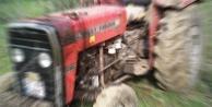 Traktörle geri manevra yapan çiftçi eşinin ölümüne neden oldu