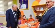 Necip Fazıl Kısakürek İlkokuluna Z-Kütüphane