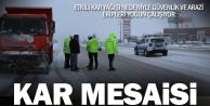 Kar yağışı nedeniyle Denizli-Antalya kara yolunda ulaşım kontrollü sağlanıyor