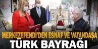 Merkezefendi Belediyesi'nden esnaf ve vatandaşa Türk Bayrağı