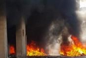 Üçgen Çarşısı'nda üstübü deposunda yangın