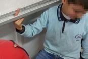 Öğrencinin parmağı akıllı tahtaya sıkıştı, itfaiye kurtardı
