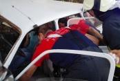 İki araç çarpıştı: 6 kişi yaralandı