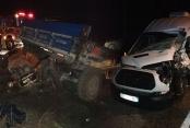 Çameli'de traktör ile minibüs çarpıştı: 2 yaralı