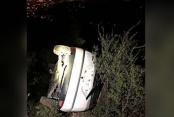 Otomobil 70 metreden yuvarlandı, 2 kişi yaralandı