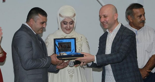 Başkan Özbaş, 300 çiftin nikahını kıydı