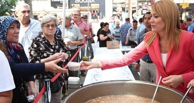 Sarayköy ve Merkezefendi belediyelerinden aşure hayrı
