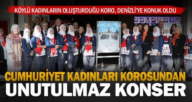 'Cumhuriyet Kadınları Korosu' Denizli'de sahne aldı