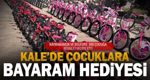 Kale'de 100 öğrenciye bisiklet hediye edildi