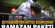 Büyükşehir'den ihtiyaç sahiplerine ramazan paketi